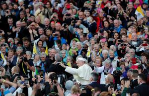 Pope Francis waves as he attends the Festival of Families at Croke Park during his visit to Dublin, Ireland, Ireland, August 25, 2018. REUTERS/Stefano Rellandini