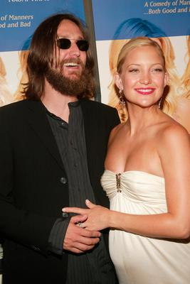 "Actress Kate Hudson and Chris Robinson attend the New York Premiere of ""Le Divorce"" at the Paris Theatre August 5, 2003 in New York City. (Photo by Evan Agostini/Getty Images)"