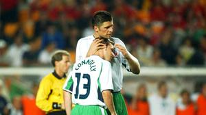 Niall Quinn consoles David Connolly after he had missed a penalty during the shoot out. FIFA World Cup Finals, 2nd Round, Republic of Ireland v Spain, Suwon, Korea. Soccer. Picture credit; David Maher / SPORTSFILE *EDI*