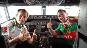 Picture on landing at Ireland West Airport Knock this morning were Pilot Billy McCarty and First Officer Raymond O'Donnell. The pilots were showing their support for Mayo after piloting a Ryanair flight from Milan to Ireland West Airport Knock