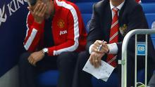 """Manchester United manager Louis Van Gaal (R) and his assistant Ryan Giggs react during their English Premier League soccer match against Leicester City at the King Power stadium in Leicester, northern England September 21, 2014.  REUTERS/Darren Staples   (BRITAIN - Tags: SPORT SOCCER TPX IMAGES OF THE DAY) NO USE WITH UNAUTHORIZED AUDIO, VIDEO, DATA, FIXTURE LISTS, CLUB/LEAGUE LOGOS OR """"LIVE"""" SERVICES. ONLINE IN-MATCH USE LIMITED TO 45 IMAGES, NO VIDEO EMULATION. NO USE IN BETTING, GAMES OR SINGLE CLUB/LEAGUE/PLAYER PUBLICATIONS. FOR EDITORIAL USE ONLY. NOT FOR SALE FOR MARKETING OR ADVERTISING CAMPAIGNS"""