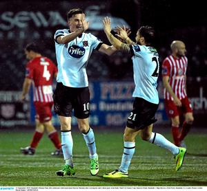 11 September 2015; Dundalk's Ronan Finn, left, celebrates with team-mate Darren Meenan after scoring his side's third goal. Irish Daily Mail FAI Senior Cup, Quarter-Final, Dundalk v Sligo Rovers, Oriel Park, Dundalk, Co. Louth. Picture credit: David Maher / SPORTSFILE