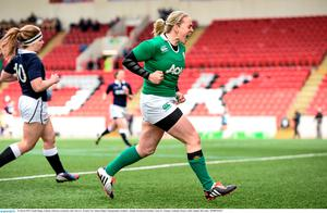 Niamh Briggs, Ireland, celebrates scoring her side's first try. Women's Six Nations Rugby Championship, Scotland v Ireland. Broadwood Stadium, Clyde FC, Glasgow, Scotland. Picture credit: Stephen McCarthy / SPORTSFILE