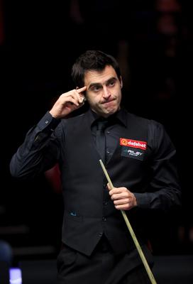 Ronnie O'Sullivan looks dejected in the final frame of his defeat to Neil Robertson during day seven of the 2015 Dafabet Masters at Alexandra Palace, London. PRESS ASSOCIATION Photo. Picture date: Saturday January 17, 2015. See PA story SNOOKER Masters. Photo credit should read: John Walton/PA Wire