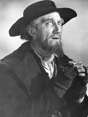 English actor Ron Moody as he appears in the role of Fagin in 'Oliver!'. directed by Carol Reed, 1968. (Photo by Silver Screen Collection/Getty Images) *** Local Caption *** Ron Moody