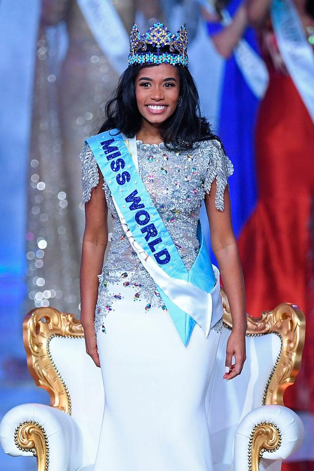 Newly crowned Miss World 2019 Miss Jamaica Toni-Ann Singh smiles during the the Miss World Final 2019 at the Excel arena in east London on December 14, 2019. (Photo by DANIEL LEAL-OLIVAS / AFP)