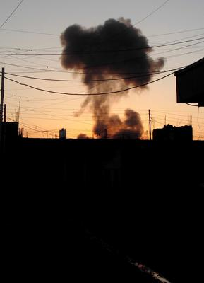 Smoke rises after a bomb attack in the city of Ramadi, May 15, 2015. REUTERS/Stringer