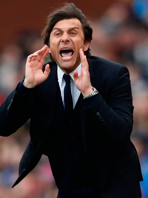 Chelsea manager Antonio Conte encourages his players during the match against Stoke City. Photo: Carl Recine/Reuters