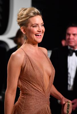 Actor Kate Hudson attends the 2017 Vanity Fair Oscar Party hosted by Graydon Carter at Wallis Annenberg Center for the Performing Arts on February 26, 2017 in Beverly Hills, California.  (Photo by Pascal Le Segretain/Getty Images)