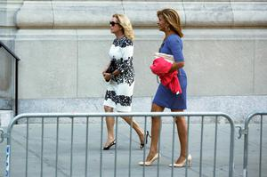Television personalities Kathie Lee Gifford (L) and Hoda Kotb arrive to attend the funeral of comedienne Joan Rivers at Temple Emanu-El in New York September 7, 2014. REUTERS/Lucas Jackson
