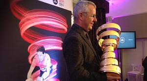 Stephen Roche pictured with his award
