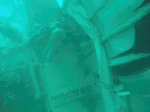 What is believed to be wreckage from crashed AirAsia flight QZ8501 in the Java Sea is pictured in this underwater photograph released by Indonesia's National Search And Rescue Agency (BASARNAS) January 7, 2015. REUTERS/BASARNAS/Handout via Reuters