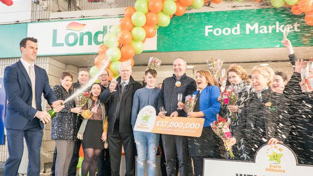 The Mulroy Family and staff at Mulroy's Londis, Castlebar, Co Mayo where a €17m EuroMillions ticket was sold (Photo:Keith Heneghan)