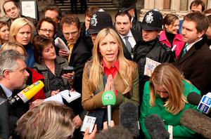 Heather Mills talks to reporters at the High Court on March 17, 2008 in London, England. Heather Mills has been awarded ?24.3m in her divorce settlement with Sir Paul McCartney.  (Photo by Peter Macdiarmid/Getty Images)