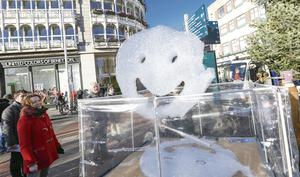 Ireland's mental health arts festival makes its mark in Dublin with a display of Stuart Semple's Happy Clouds. Conor McCabe