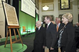 Heather Humphreys with Enda Kenny and former Taoiseach Liam Cosgrave at the GPO in Dublin last night for the launch of Ireland 2016. Photo: Maxwells