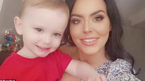 Meabh Feerick (25), who has stage four melanoma skin cancer, with her son Noah (3)