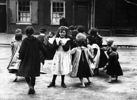 Children playing in a Belfast street.