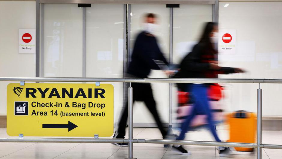 Travellers from 33 countries have to stay quarantined               for two weeks regardless of whether they test negative               after five days. Photo: Steve Humphreys