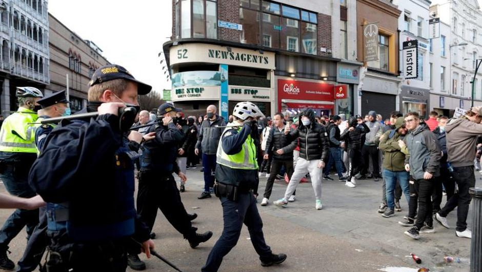 Up to 200 gardaí will be on patrol in Dublin city centre tomorrow to avoid a repeat of February's lockdown clashes. Photo: Damien Eagers