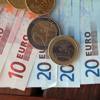 An allowance of up to 2,094 euro a month will be earmarked for the average family with two children for a reasonable living standard