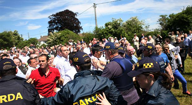 Angry scuffles at funeral of dissident republican leader Ruairi O'Bradaigh