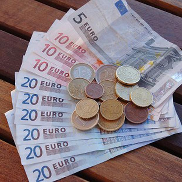 Central Bank: Deposits down in May