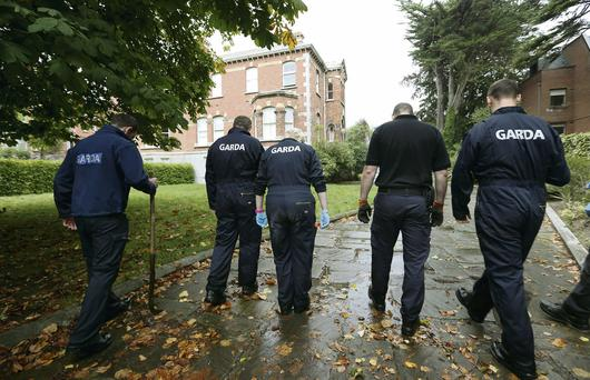 Gardai searching Tom McFeely's former house and grounds on Ailesbury Road, Dublin 4