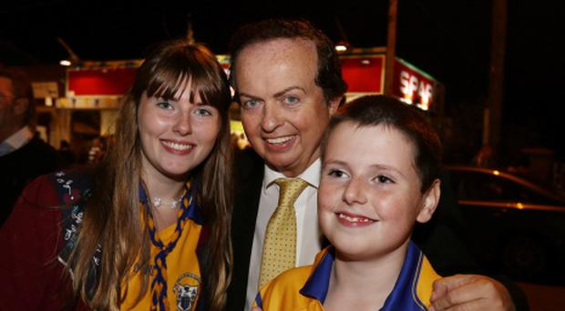 Marty Morrissey with fans at homecoming