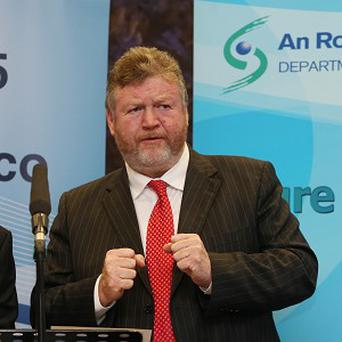 Health minister James Reilly predicts the tobacco industry will try to foil plans for standardised packaging.