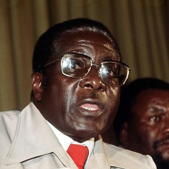 A State banquet for Zimbabwean prime minister Robert Mugabe was less than stately after Garret FitzGerald took too long to hand-pick the wine and 30 unaccounted-for guests turned up