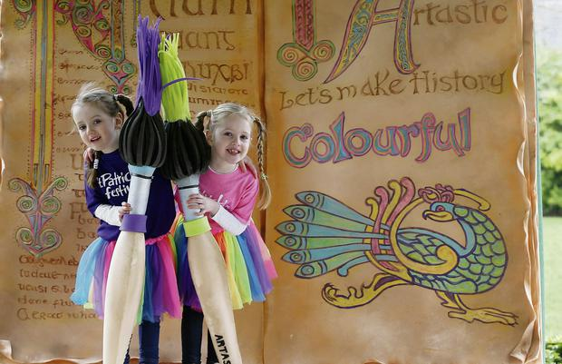 Ella Hannon Moss, aged 5 from Mountmellick in Laois (left) and Eva Crean, aged 6 from Stepaside, Dublin, pictured in St. Stephen's Green at the launch of St. Patrick's Festival 2014