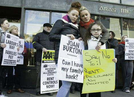 Gwen Connell with children Lauren (17) and Katie (10) outside the Department of Social Protection. GARETH CHANEY COLLINS