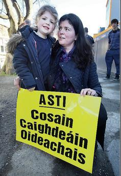 Isobel Tiernan (4) and her mother Grainne Ni Bhroin at Newpark Comprehensive School, Blackrock, Dublin