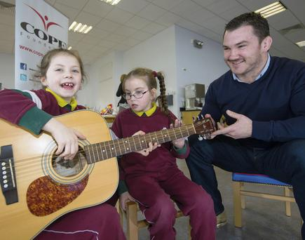 Damien Varley with Destiny Russell Warrington and Amber Bowen at the COPE Foundation, Cork, for the launch of the app 'Signalong Songs'. MICHAEL MACSWEENEY/PROVISION