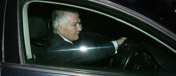 Sean Fitzpatrick arriving at his Greystones home last night.