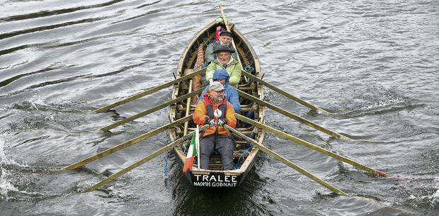 Danny Sheehy, Liam Holden, Breandan O Beaglaoich and Breandan O Muircheartaigh in their currach