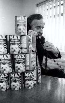 Albert Reynolds at the C&D Pet Food factory in Edgeworthstown Co. Longford, 1986