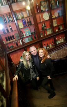 Molly Sterling with Marty Whelan and Niamh Kavanagh in Vienna