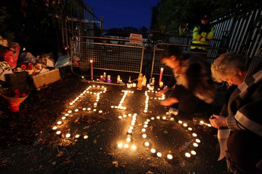 5Candellight vigil for the ten people who lost their lives Glenamuck halting site fire in Carrickmines,Dublin this evening….Pic Stephen Collins/Collins PhotosPic Stephen Collins/Collins PhotosPic Stephen Collins/Collins Photos