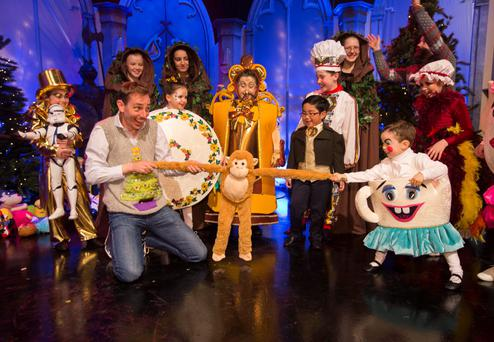 Ryan Tubridy plays Tug of War with Luke O'Connor (4) from Dulbin