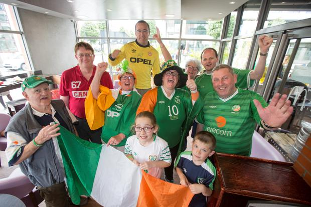 5bcd81e984 French media heaps praise on Irish fans – as mayors say they want ...