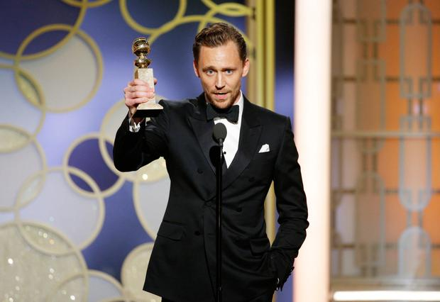 Tom Hiddleston got into heavyweight issues at the Golden Globes