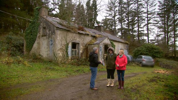 At the house in Cashelard - RTE Prime Time reporter Barry Cummins with Mary's niece Mary Duffy and Mary's mother Ann Boyle at Cashelard from where Mary vanished nearby in March 1977.