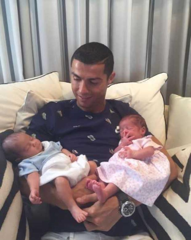 Ronaldo shows off his twins in this photograph from his Instagram account.