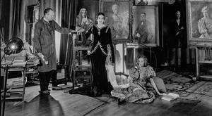ARISTO ART: Oswald Birley and his wife Rhoda with daughter Maxine (Maxime de la Falaise) sitting on the floor. Photo: Cecil Beaton/Getty