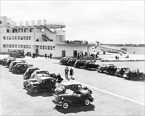 Pictures of the old Collinstown Terminal Building - Dublin Airport in 1940s shortly after it opened.