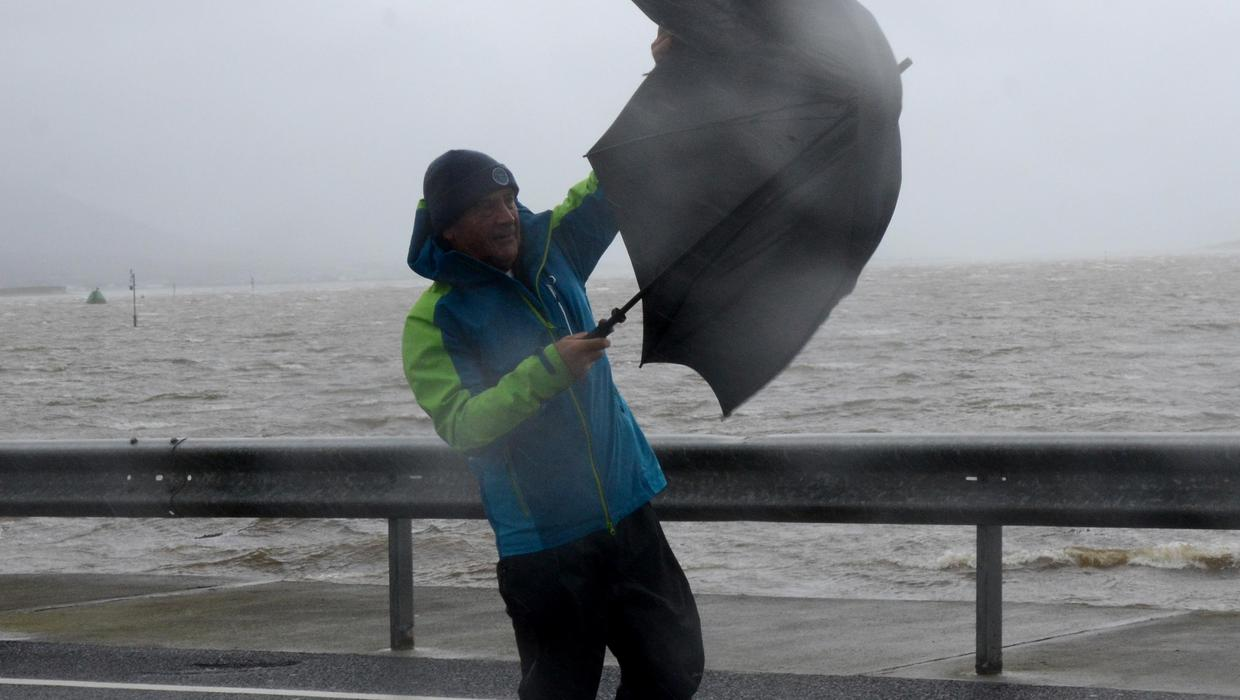 Gardaí advise people to avoid unnecessary journeys as Storm Aiden to bring dangerous weather