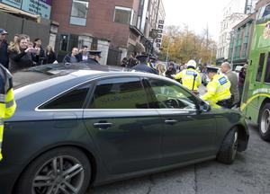 Taoiseach Enda Kenny's car attempting to leave the Mansion House yesterday. Photo: El Keegan.