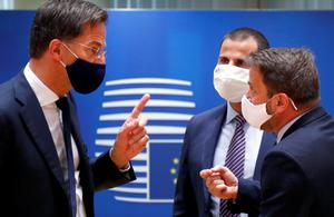 Hard talking: Dutch PM Mark Rutte and Luxembourg's PM Xavier Bettel (right) speak at the summit. Photo: Francois Lenoir/Reuters/Pool